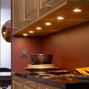 точечная подсветка на подвесных шкафах