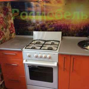 компактная кухня с барной стойкой 4